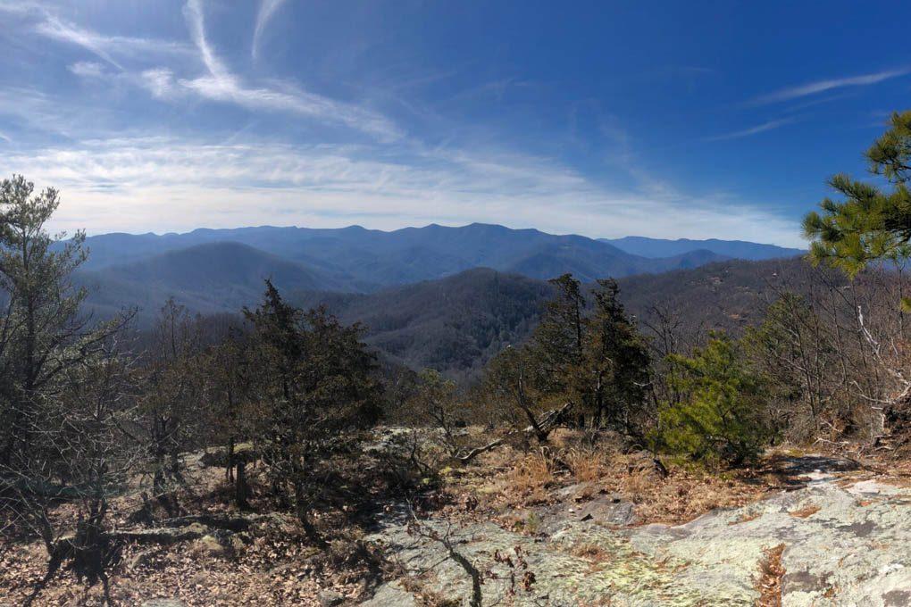 Over a dozen vistas